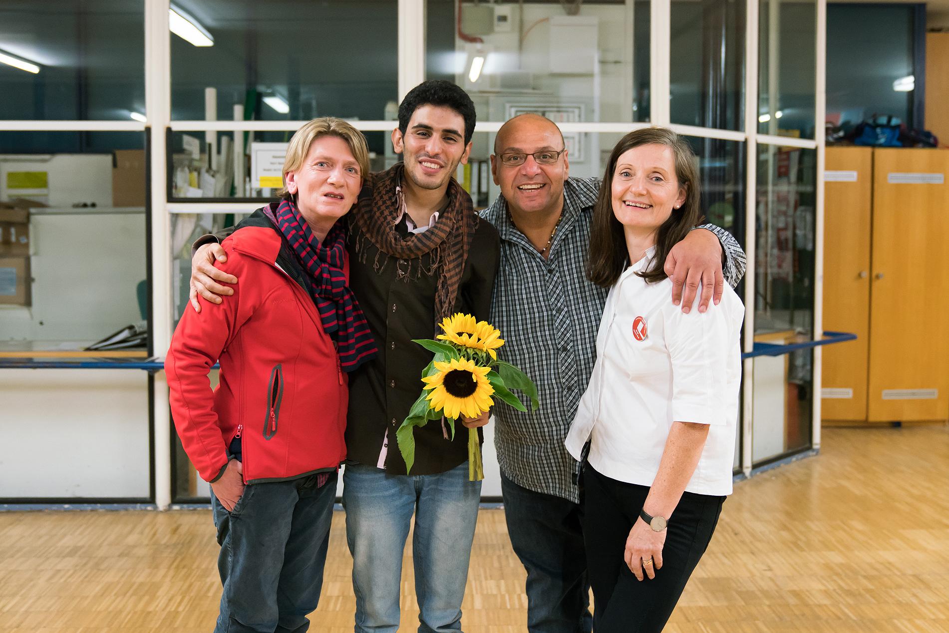 Aeham Ahmad und Bergo Kamal Ibrahim mit Bianka Huber und Birgit Römer-Wolf